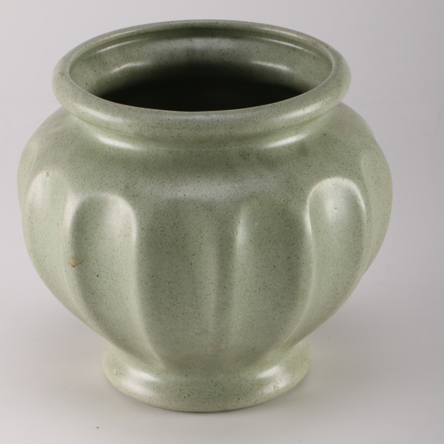 Vintage Green Haeger Vase Ebth