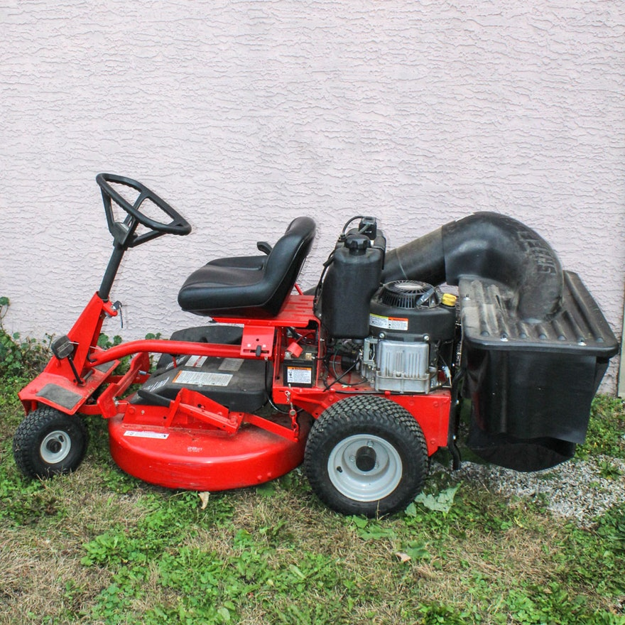 Sner 28 Hi Vac Rear Engine Riding Lawn Mower