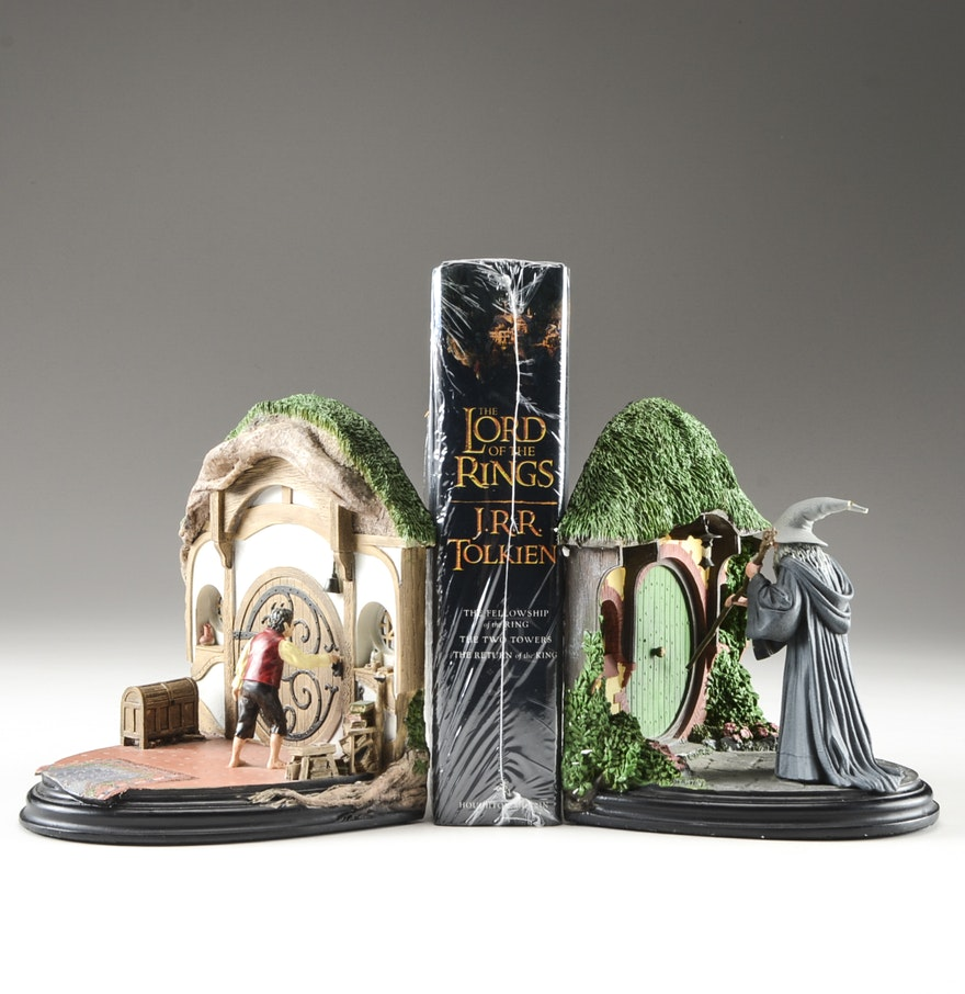 Lord of the rings in one volume with no admittance collectible bookends ebth - Lord of the rings bookends ...