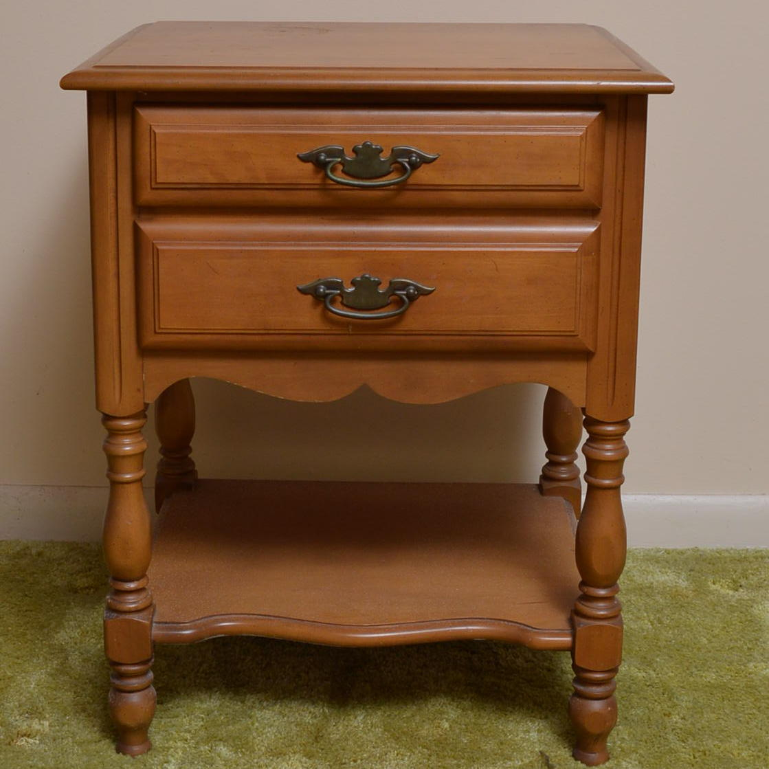 Sumter Cabinet Company Maple Nightstand : EBTH