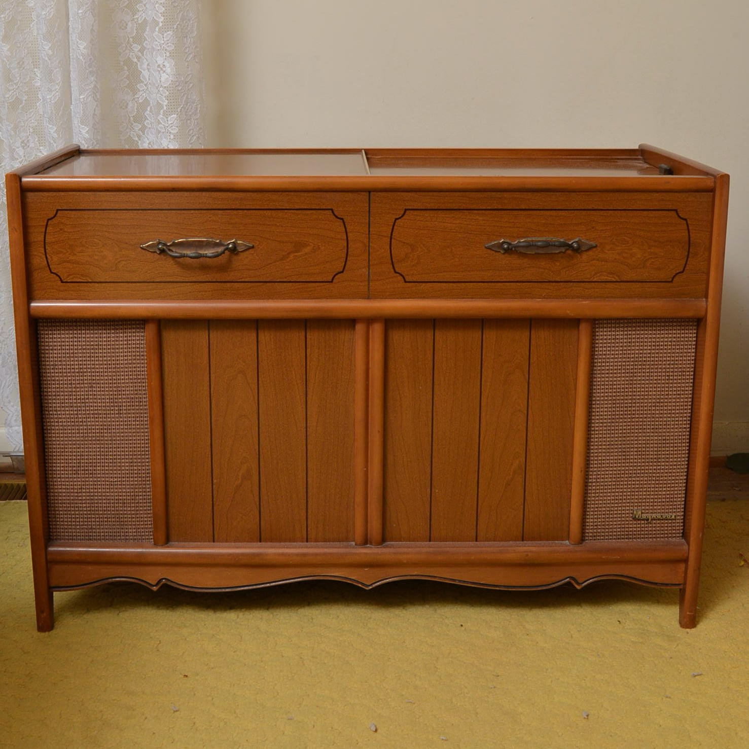 Vintage Turntable Console
