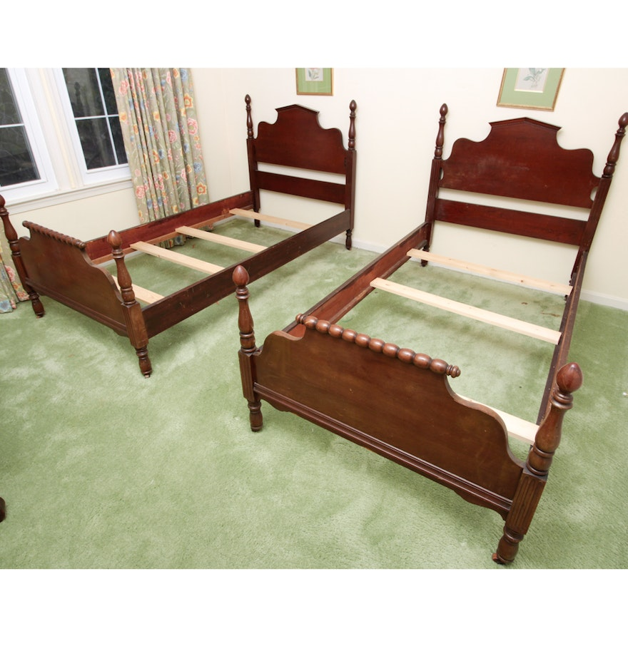 set of vintage mahogany twin four poster beds ebth. Black Bedroom Furniture Sets. Home Design Ideas