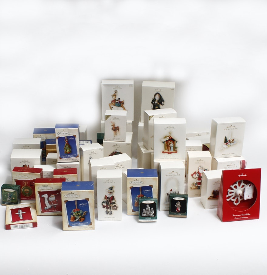 Large Collection Of Hallmark Keepsake Ornaments Ebth