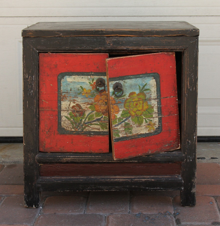 Hand painted antique chinese wooden chest ebth for Hand painted chests