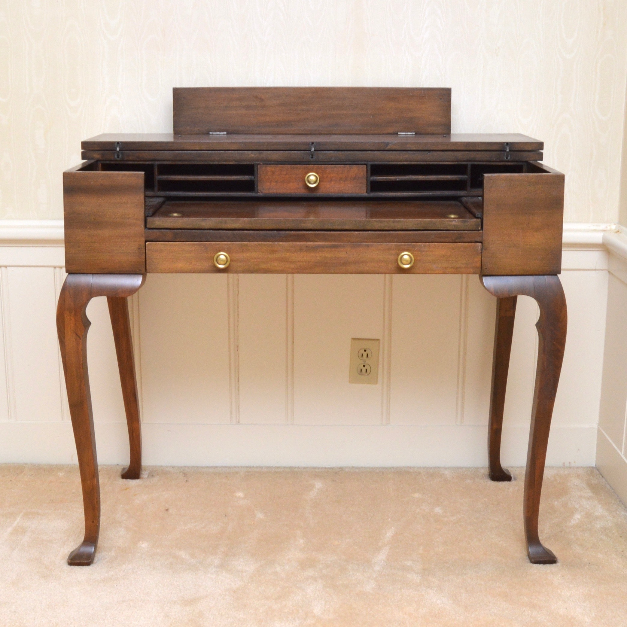 Vintage Teacher S Desk Ebth