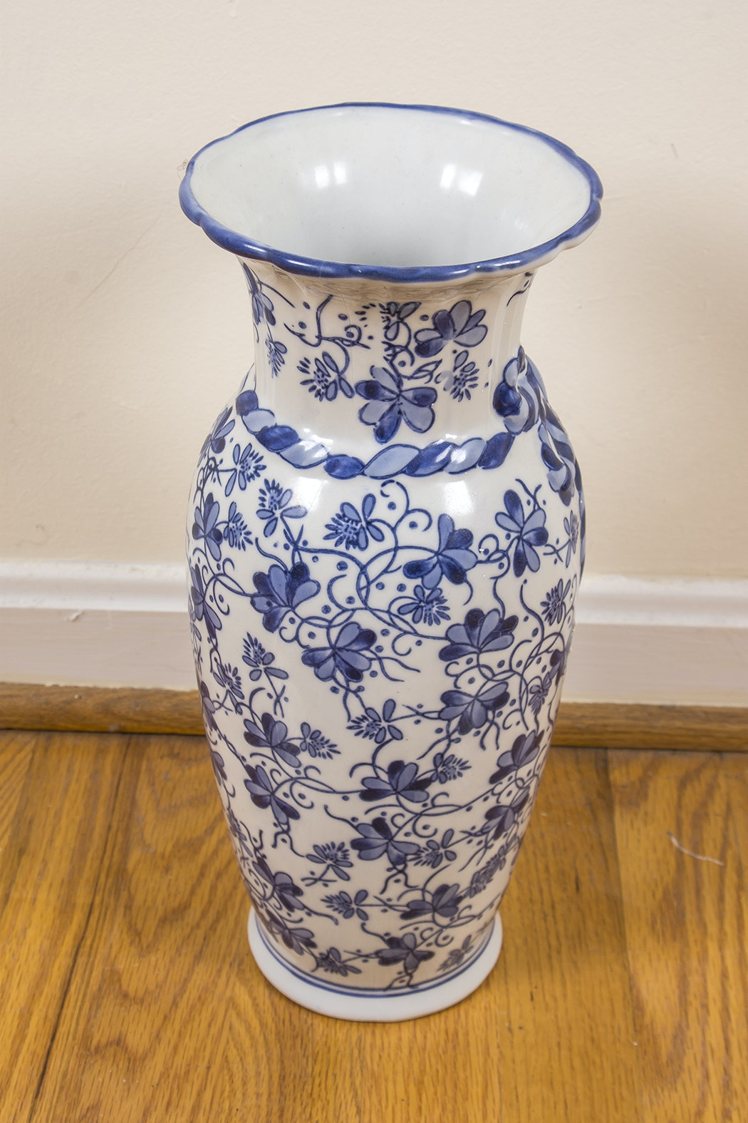 Large Chinese Blue And White Ceramic Decor Ebth