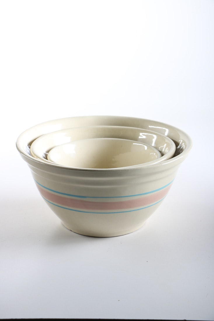 McCoy Ceramic Nesting Mixing Bowl Set