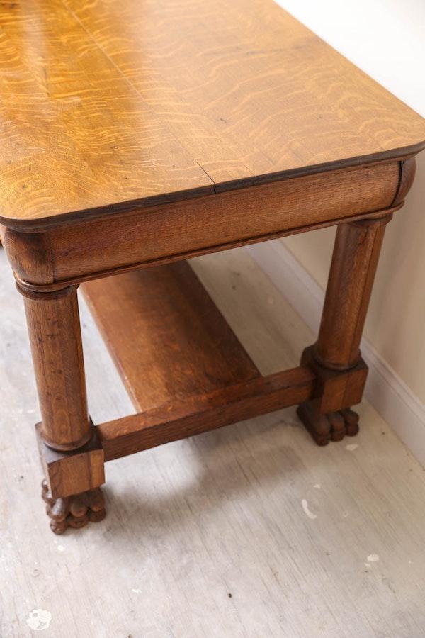 Vintage lion foot oak table ebth for Table 52 2016