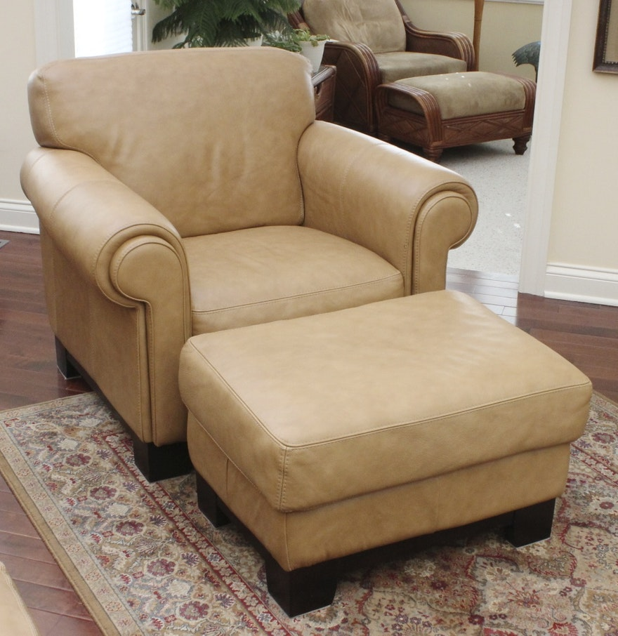 divani chateau d 39 ax italian leather chair with ottoman ebth. Black Bedroom Furniture Sets. Home Design Ideas