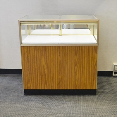 Quarter Vision Jewelry Display Case by Jahabow