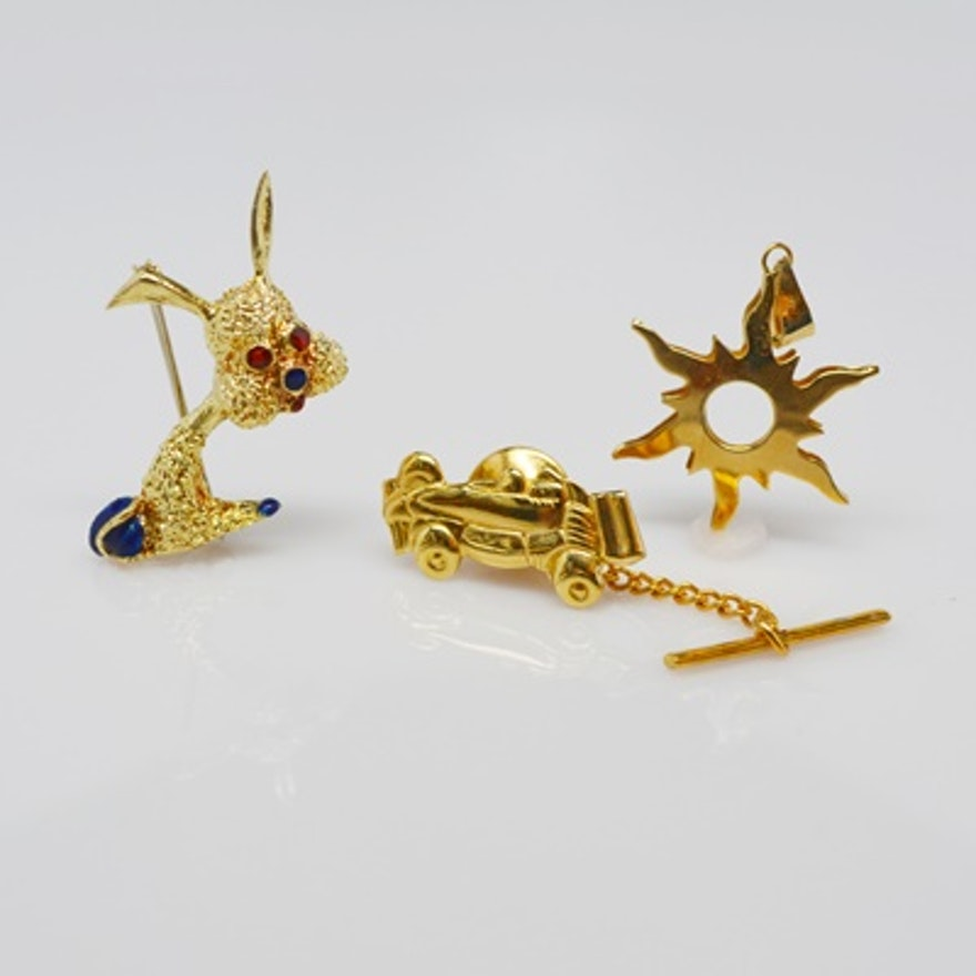 d4d16eaa6 18K Yellow Gold Race Car Tie Tack, Sunburst Pendant and Enamel Dog Brooch  ...