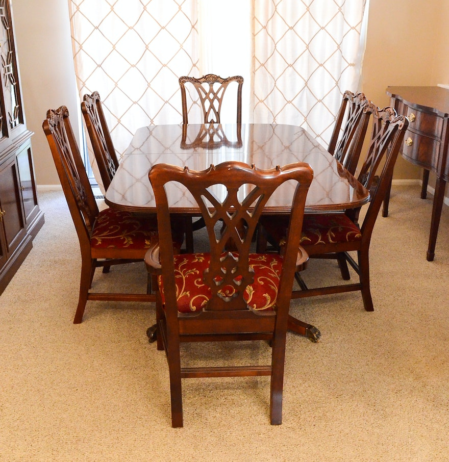 Thomasville chippendale style dining table with six chairs for Six chair dining table set