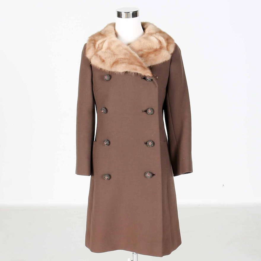 a7e4ccff63 Women s Vintage Fur Collar Dress Coat   EBTH