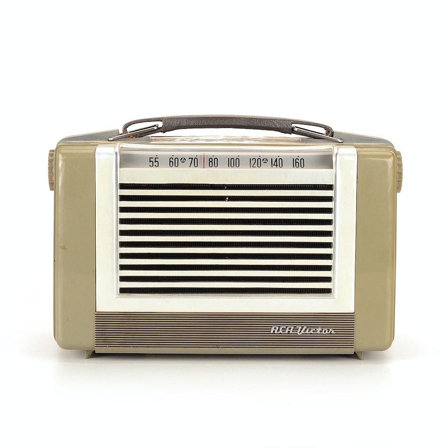 Vintage RCA Victor 6-BX-63 Portable Tube Radio
