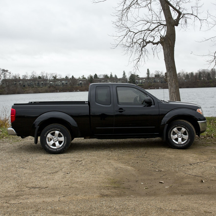 2011 nissan frontier pickup truck ebth. Black Bedroom Furniture Sets. Home Design Ideas