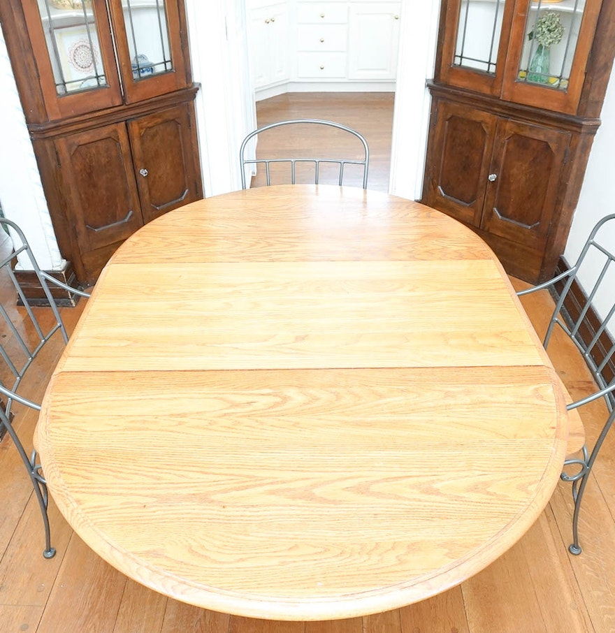 oak and scrolling wrought iron dining table and chairs ebth. Black Bedroom Furniture Sets. Home Design Ideas