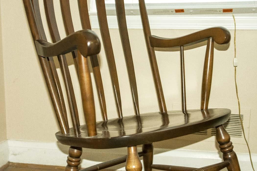 Nichols & Stone Co. Cherry Rocking Chair : EBTH
