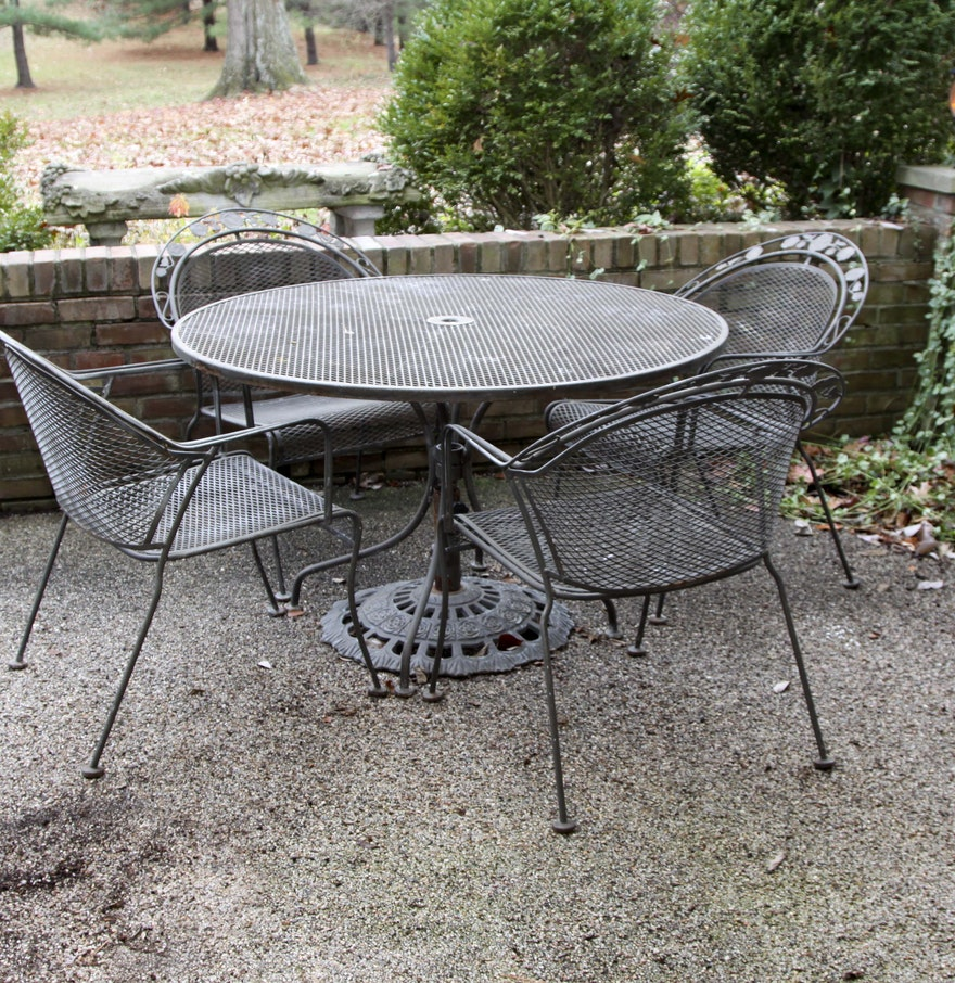 Metal outdoor patio table and chairs set ebth for Outdoor patio table set