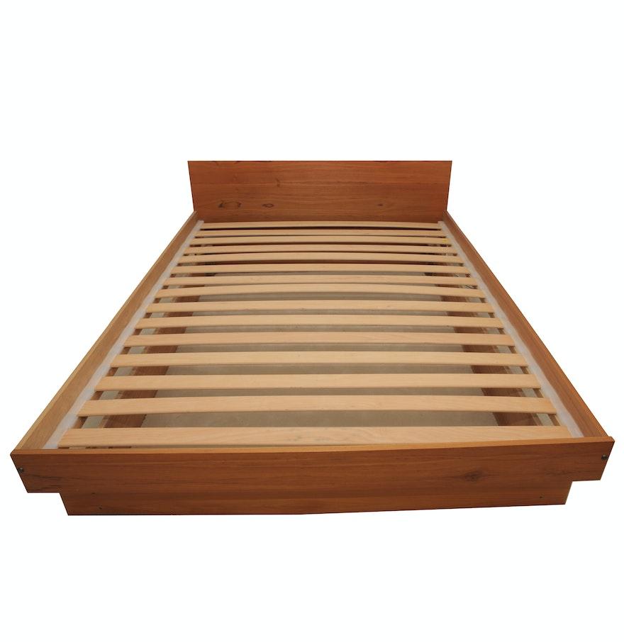 mid century modern wooden queen size bed frame ebth. Black Bedroom Furniture Sets. Home Design Ideas
