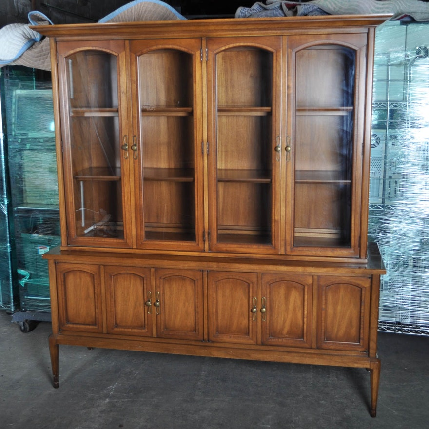 Vintage China Cabinet by White Furniture Company ... - Vintage China Cabinet By White Furniture Company : EBTH