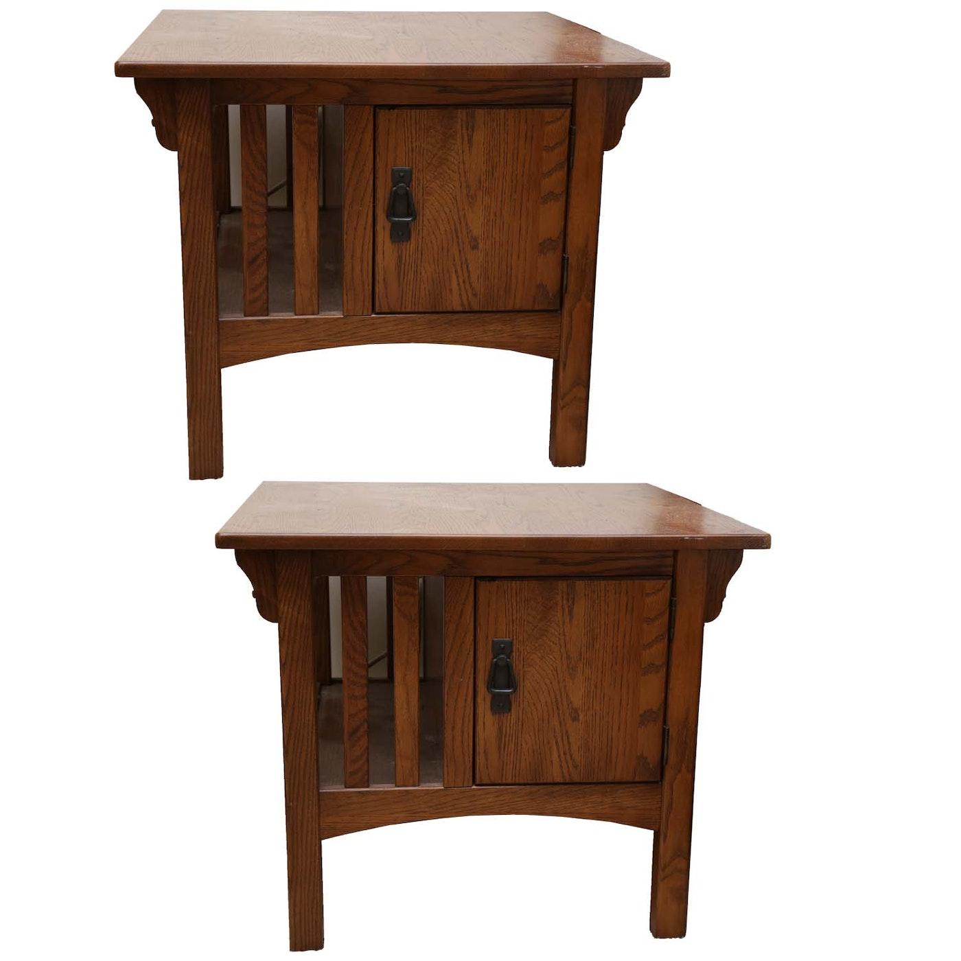 Oak farmhouse end tables ebth for Farmhouse end table set