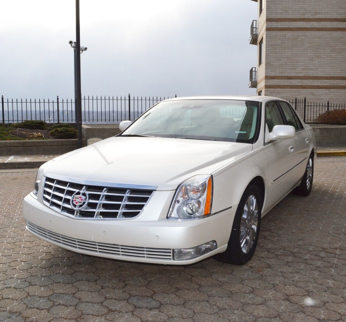 2011 Cadillac DTS Platinum With Low Miles : EBTH