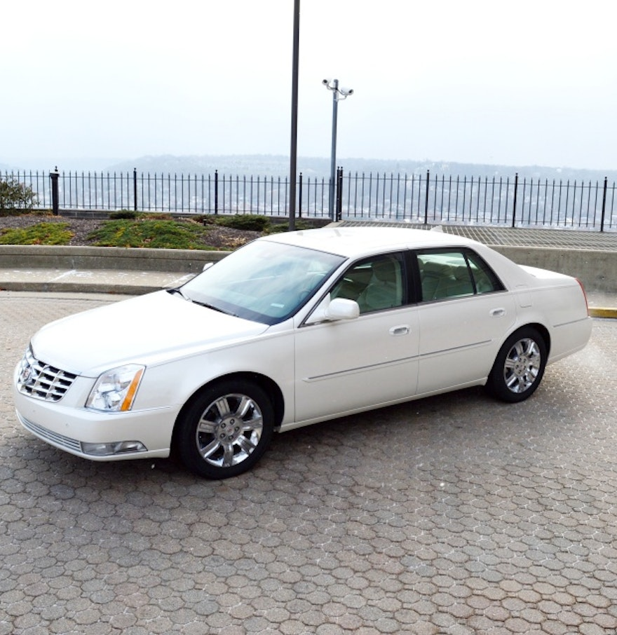 2011 cadillac dts platinum with low miles ebth. Black Bedroom Furniture Sets. Home Design Ideas