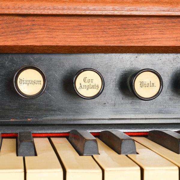 antique clough warren pump organ ebth. Black Bedroom Furniture Sets. Home Design Ideas