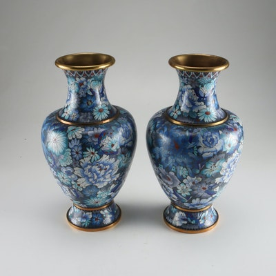 pair of hand made chinese cloisonne vases with wooden stands ebth. Black Bedroom Furniture Sets. Home Design Ideas