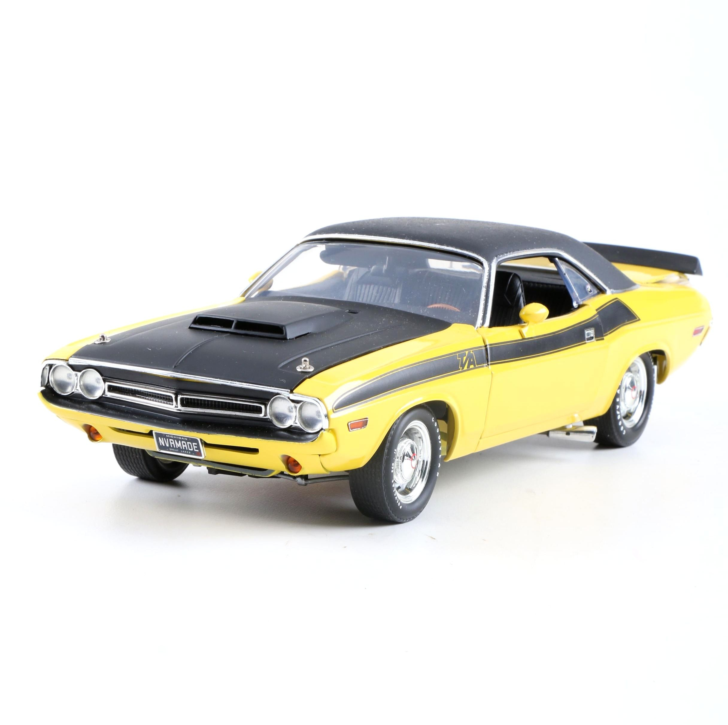 Highway 61 1:18 Scale 1971 Challenger T/A