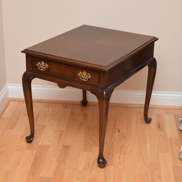 Awesome Drexel Queen Anne Style Side Table