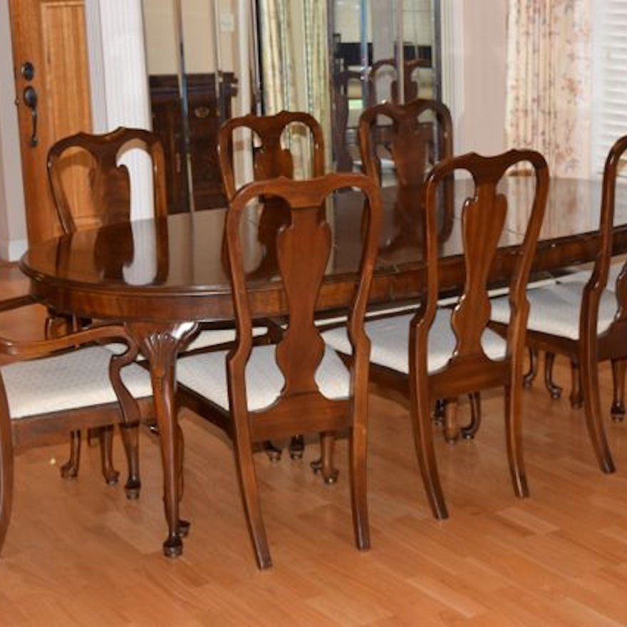 Drexel Queen Anne Style Dining Table With Chairs