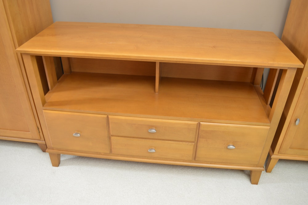 Ethan Allen Maple TV Stand