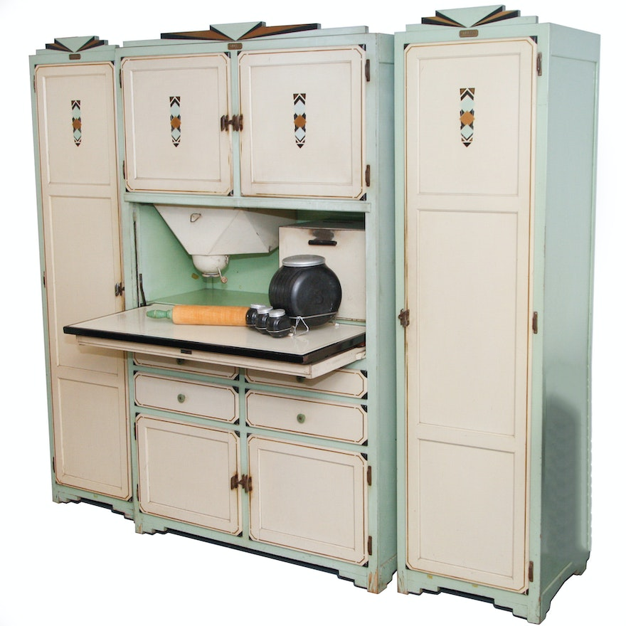 Antique Sellers Three-Piece Baker's Kitchen Wall Unit | EBTH