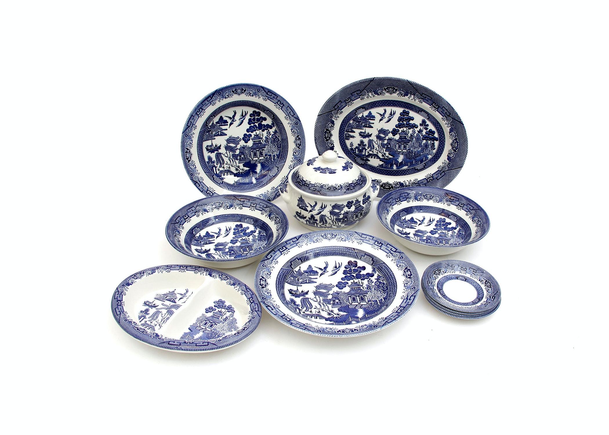 Set of Churchill Dinnerware ...  sc 1 st  EBTH.com & Set of Churchill Dinnerware : EBTH