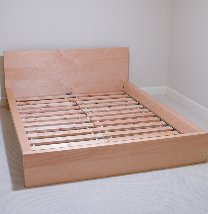 Queen size ikea bed frame ebth for Queen size bed ikea