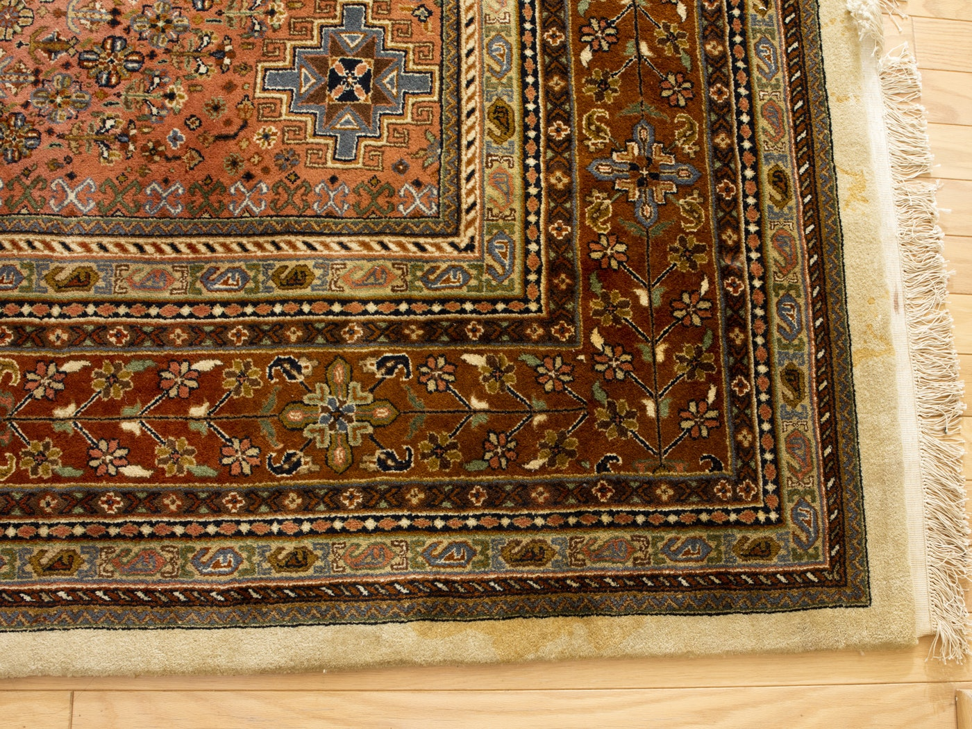 Room-Sized Hand-Knotted Indian Nizam Area Rug : EBTH