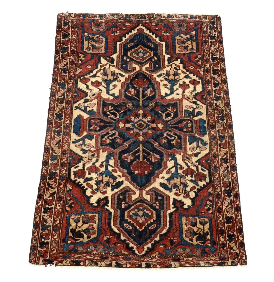 Persian Hand Woven Bakhtiari Style Wool Area Rug : EBTH