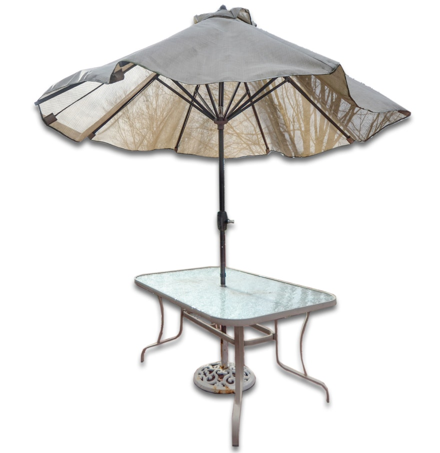 Patio Table with Umbrella : EBTH
