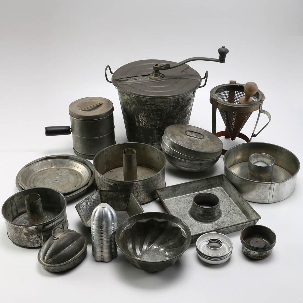 Vintage Metal Bakeware Ebth