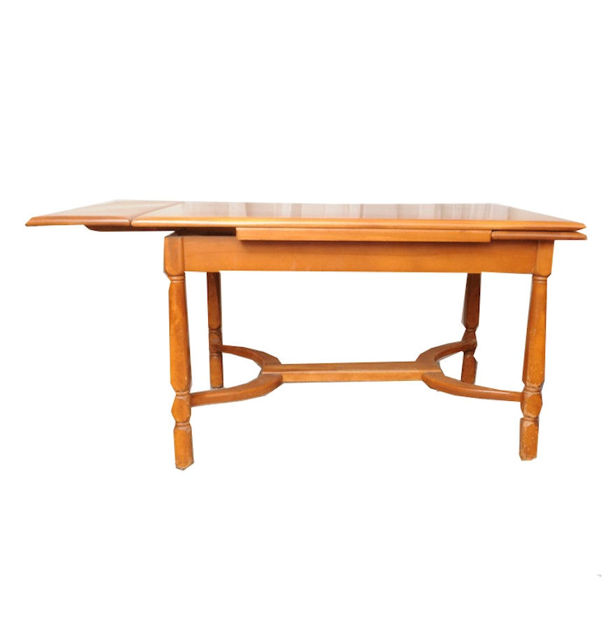 Maple Dining Table Ebth