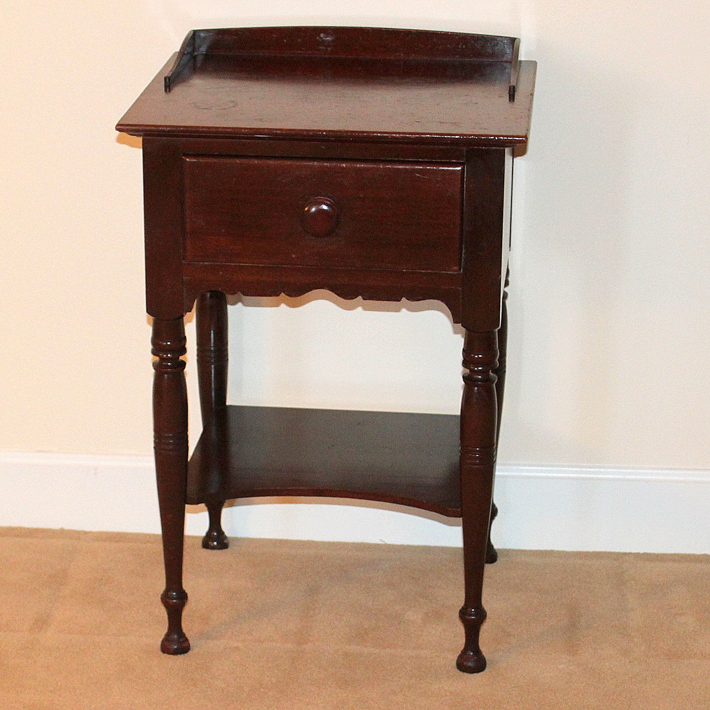 Vintage Sheraton Style One-Drawer Nightstand