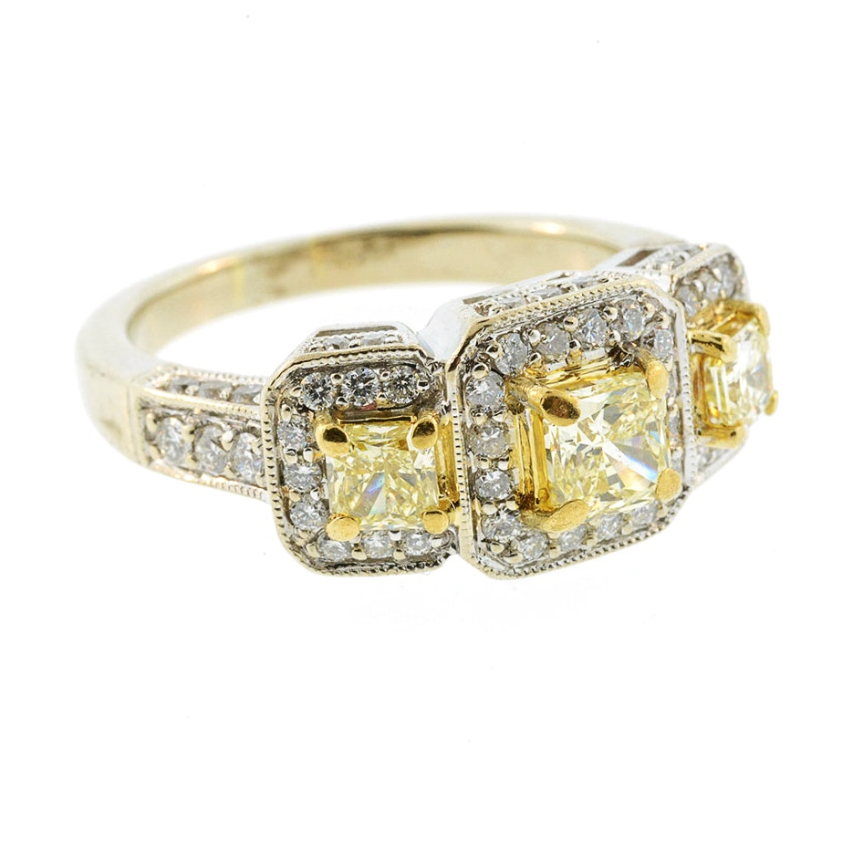 18K White Gold Ring with Yellow and White Diamonds