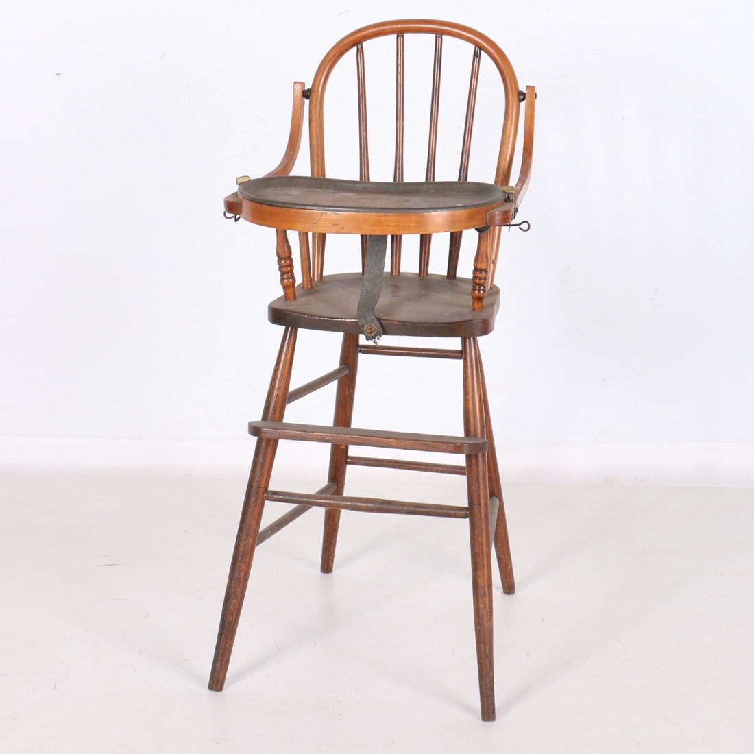 Bentwood High Chair with Metal Tray