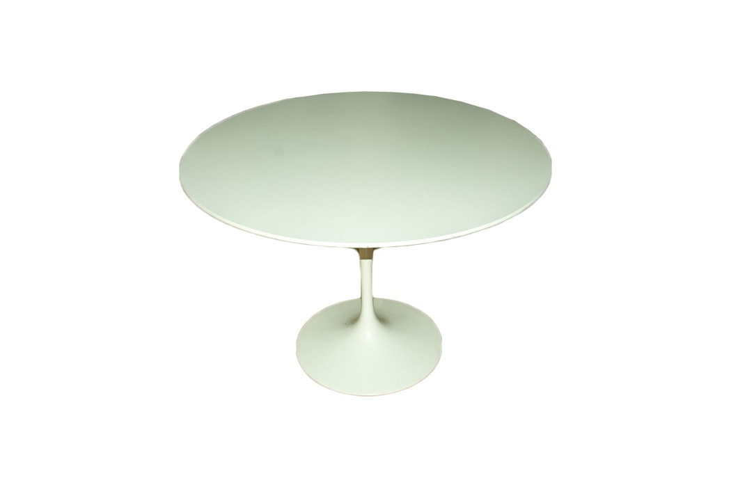 "Knoll Furniture Mid-Century Style ""Saarinen"" Dining Table"