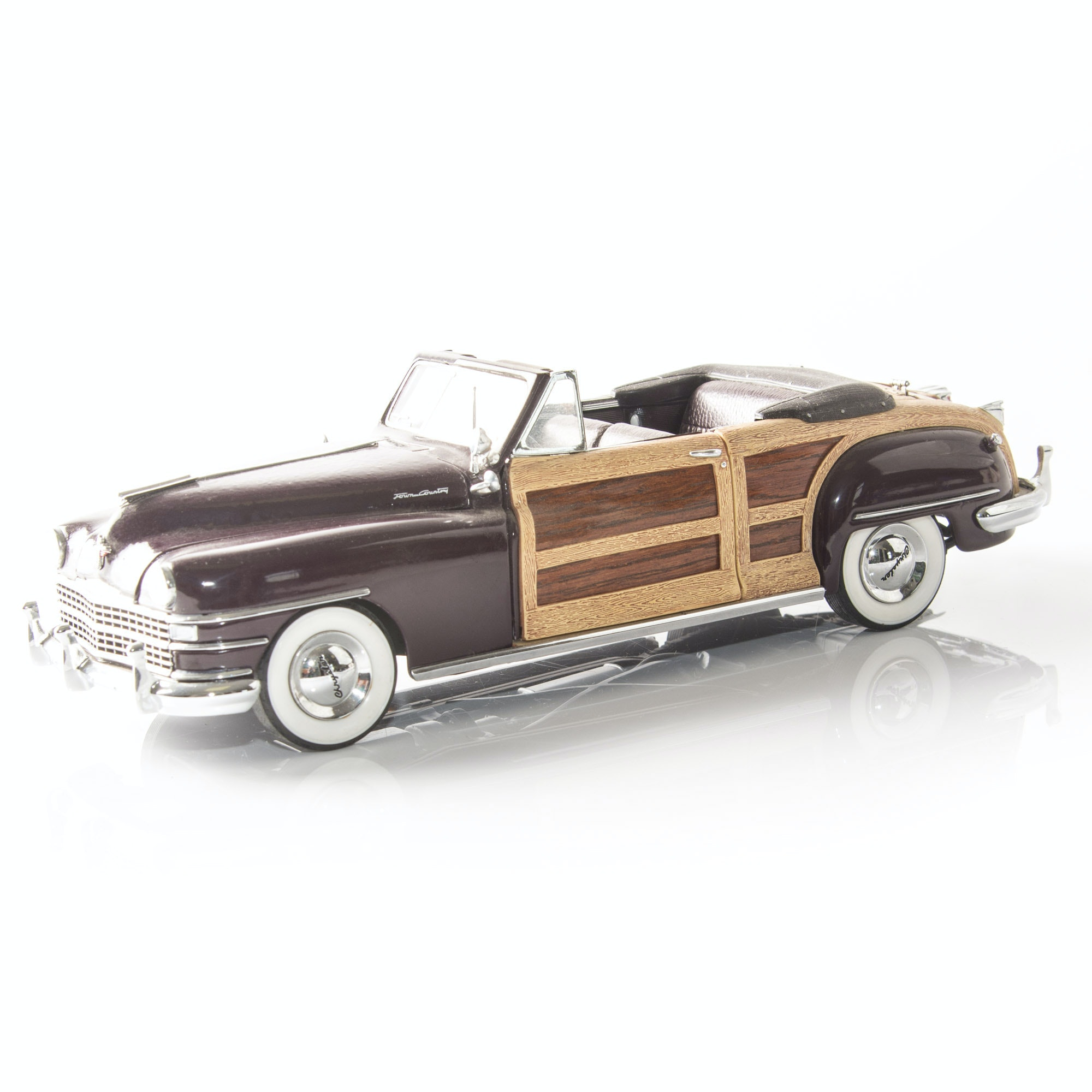 Danbury Mint Die-Cast Model 1948 Chrysler Town & Country Convertible