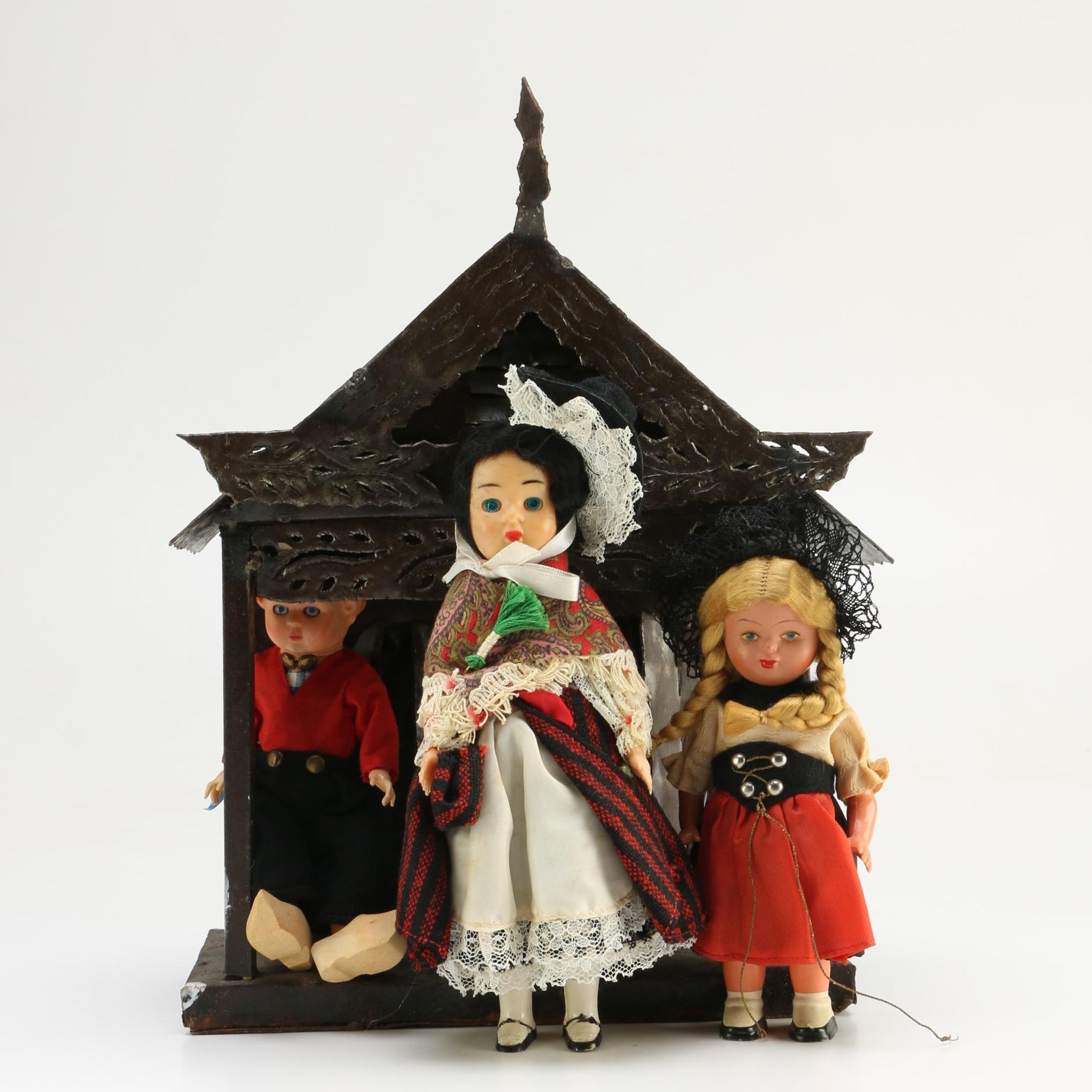 Dolls and Decorative House