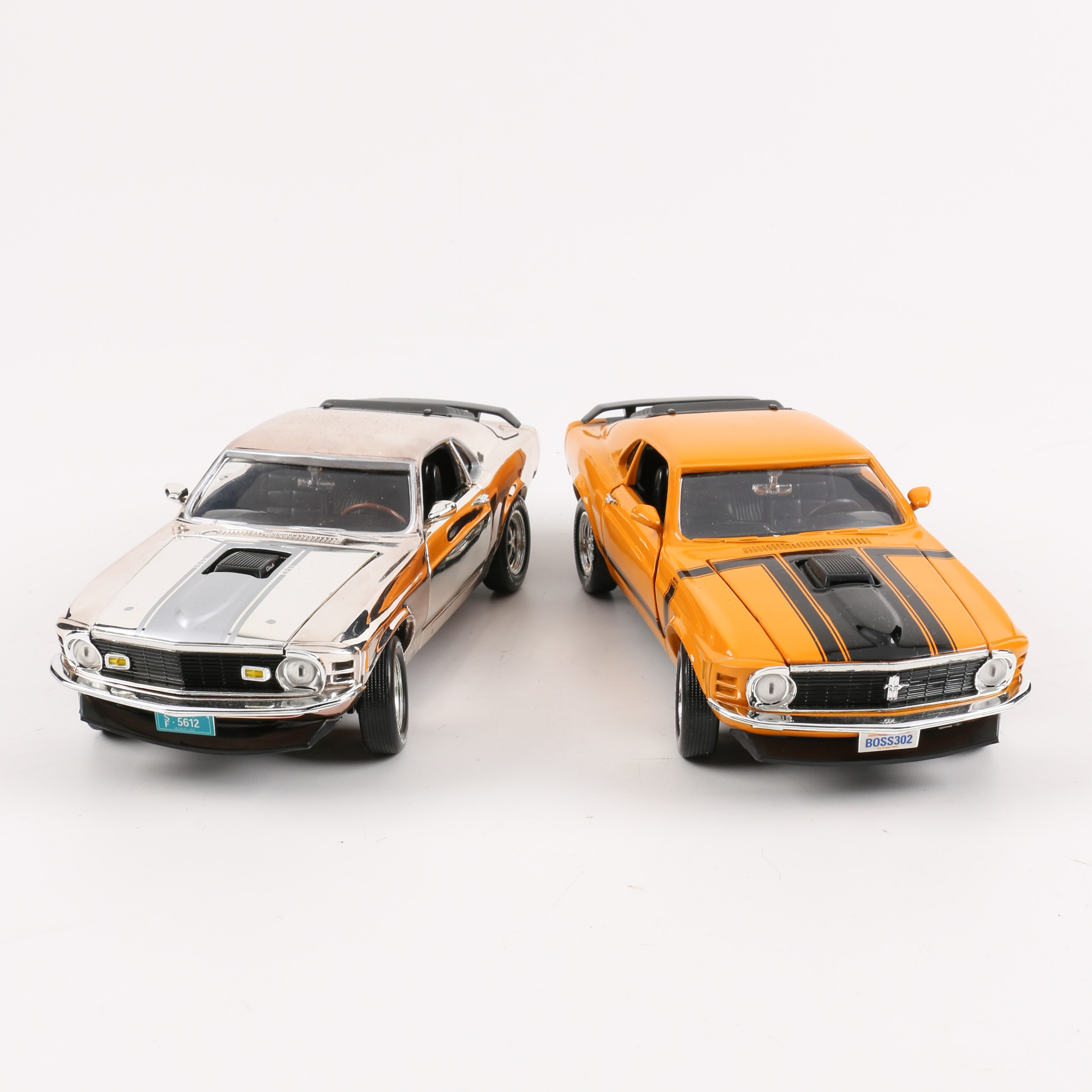 Pair of 1:18 Scale 1970 Ford Mustangs