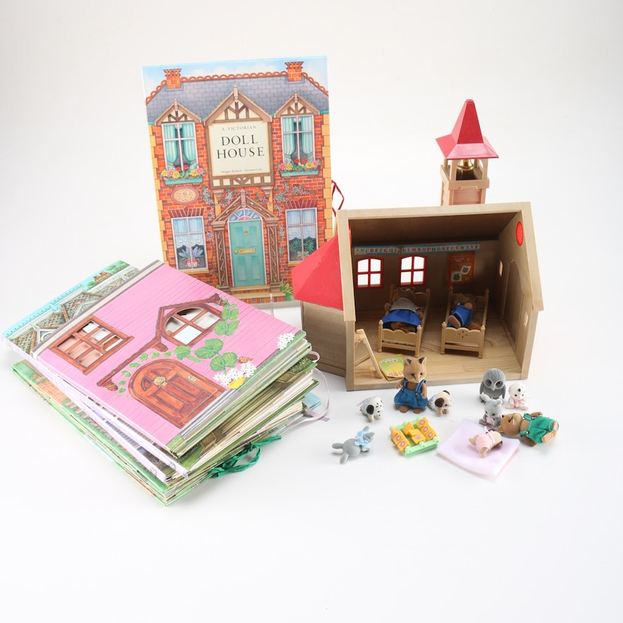 victorian doll house pop up books and calico critters schoolhouse ebth. Black Bedroom Furniture Sets. Home Design Ideas