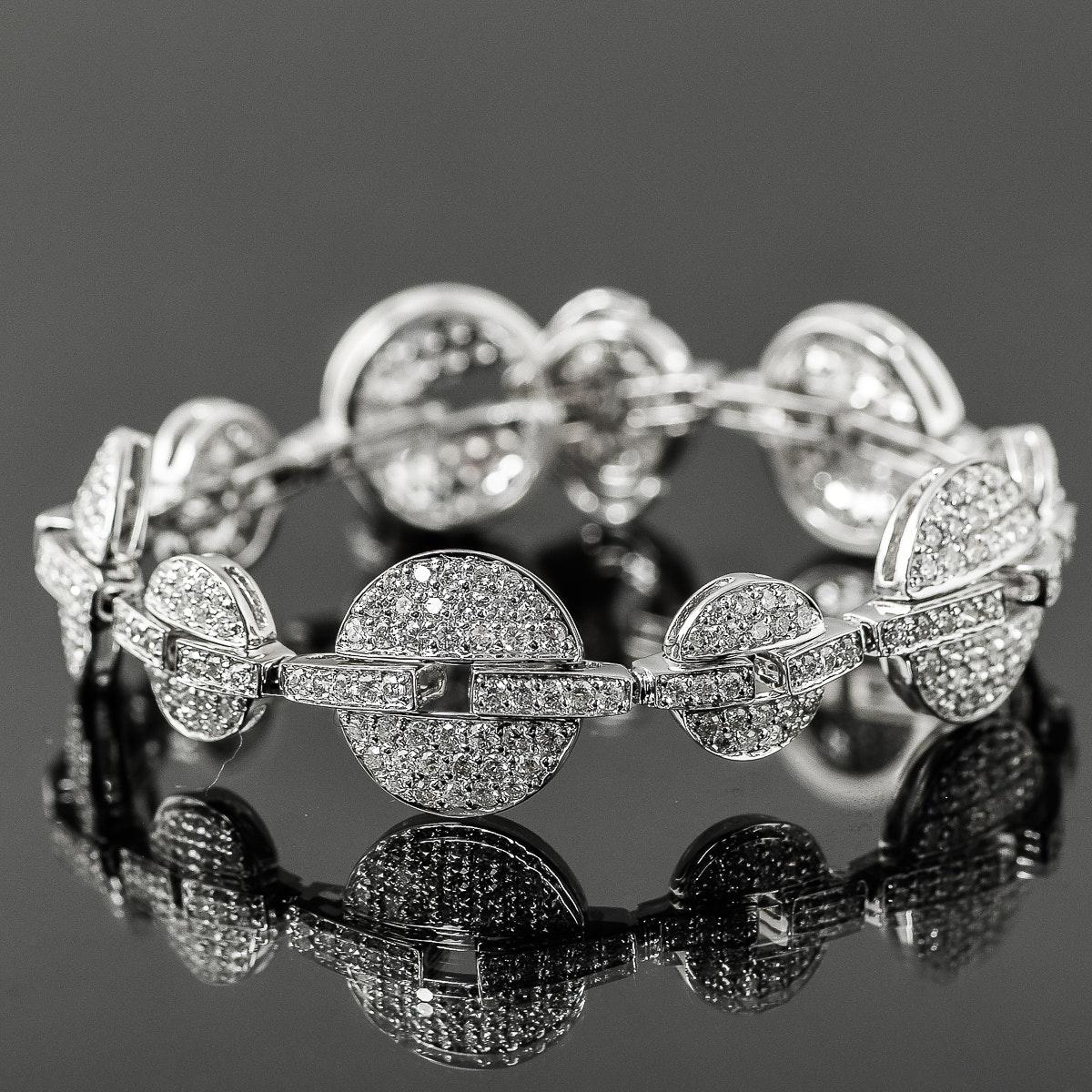 14K White Gold and 6.00 CTW Diamond Graduated Circle Bracelet